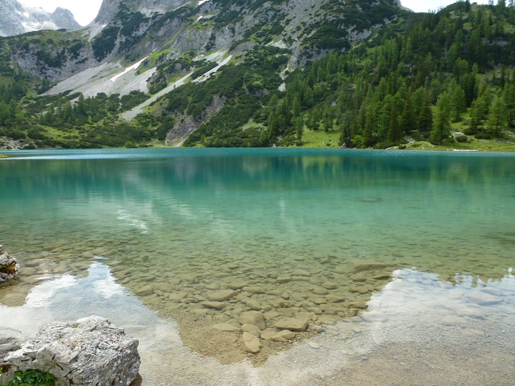 Kristallklares Wasser am Seebensee